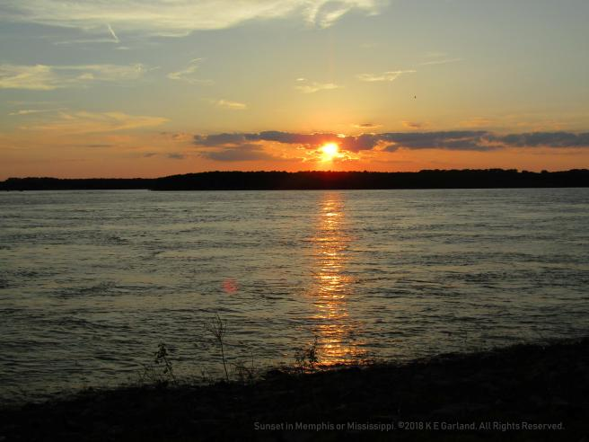 sunset_memphis_mississippi