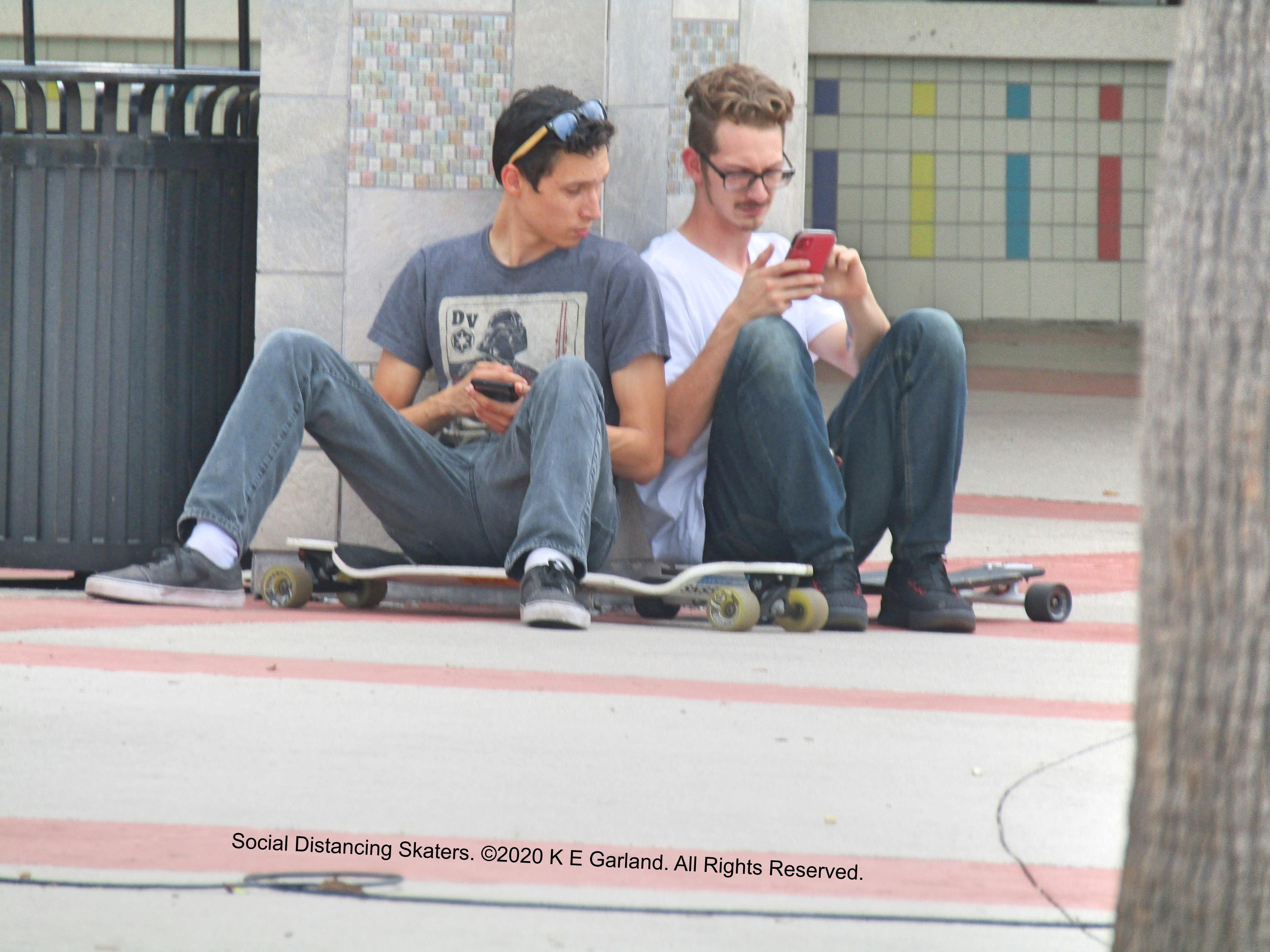 social_distancing_skaters2